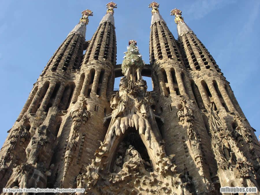 La sagrada familia prachtige basiliek in barcelona for De la sagrada familia